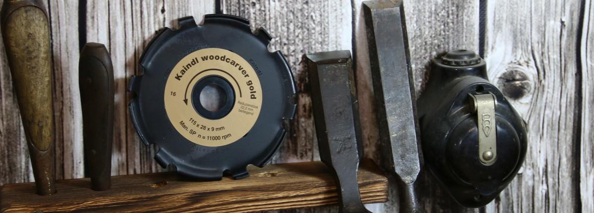 Der Kaindl Woodcarver Gold ist ein vielseitiges Holzwerkzeug