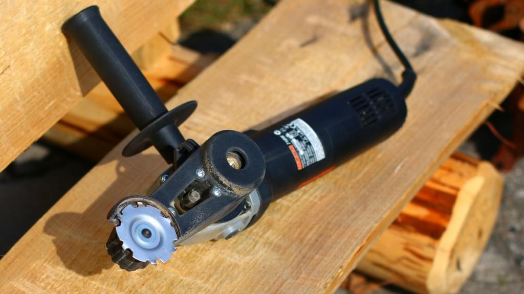 Mini Grinder Power Tool von Arbortech zur Holzbearbeitung.