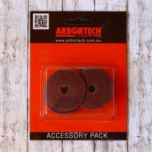 In einer Packung befinden sich 4 Schleifpads für den Arbortech Mini Grinder