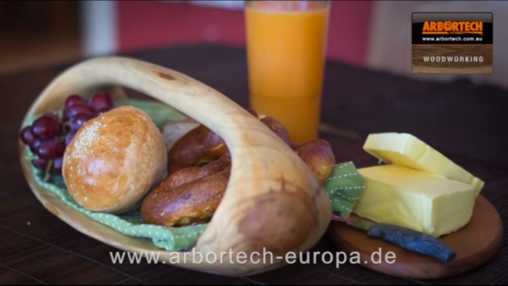 Brotkorb-serviertablet-olivenholz-arbortech