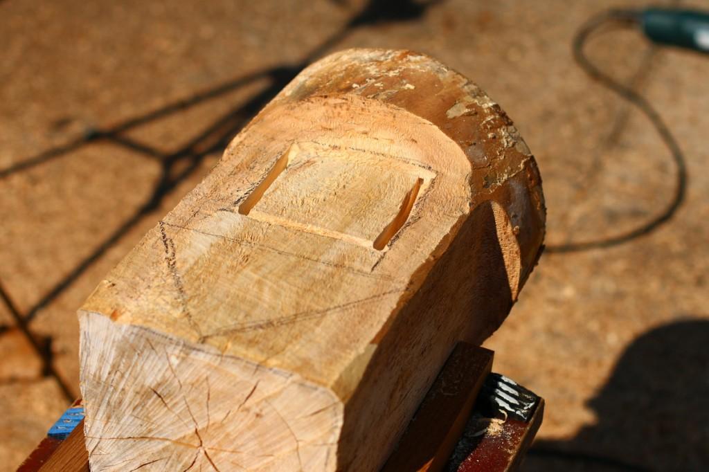 Nut-schnitzen-fraesen-woodcarver