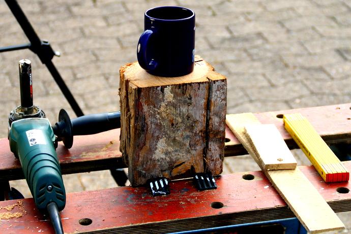 Becher mit Arbortech Werkzeug schnitzen