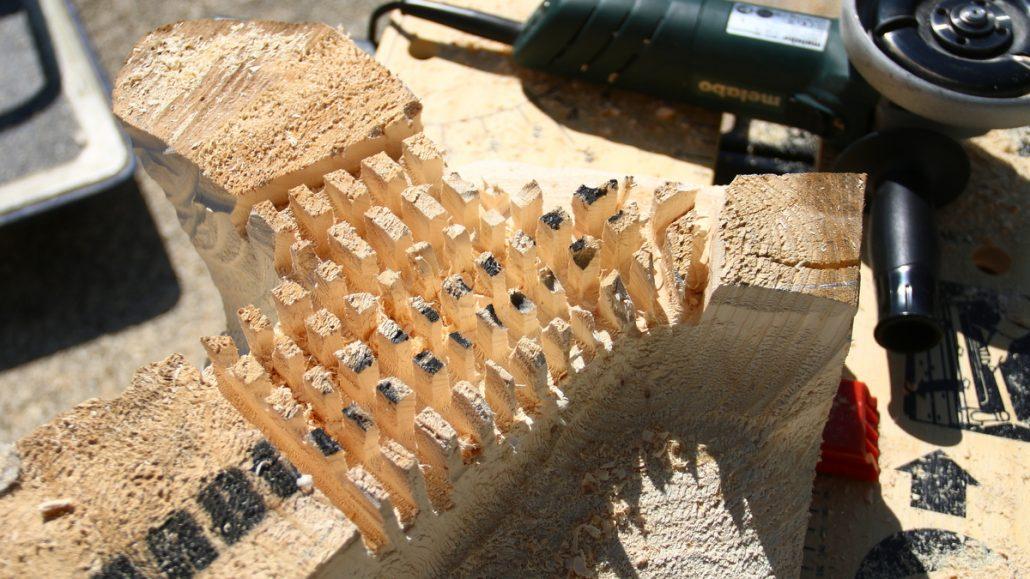 Der Arbortech Industrial Woodcarver eignet sich sehr gut um grob vorzuarbeiten