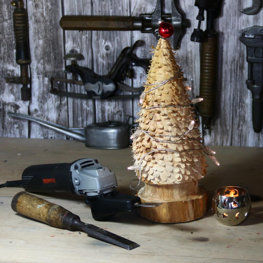 So schnitzt man einen Weihnachtsbaum mit Arbortech Werkzeugen
