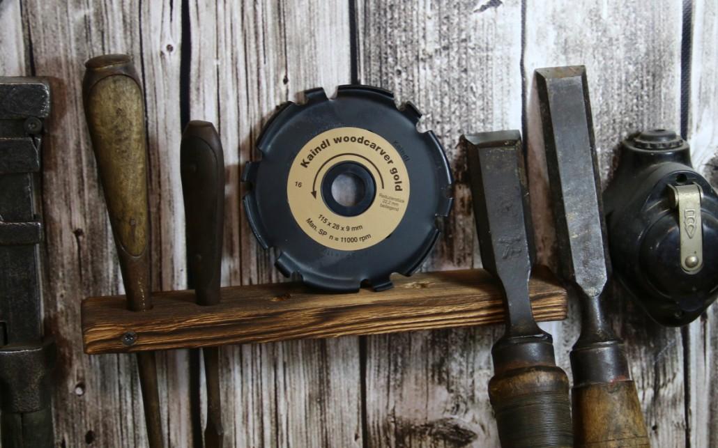 Mit 115 mm ist der Kaindl Woodcarver Gold etwas größer als der Arbotech Industrial Woodcarver