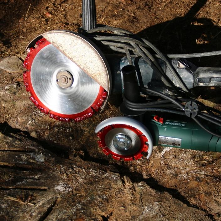 Baumstumpf entfernen mit der Root Cutter Trennscheibe